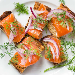 How to Make Salmon Gravlax