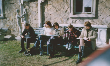 Photo: w plenerze , wiosna 2004 r.  sztukatorzy M.Kwiecień, D.Wilk,  K.Czunko, A.Wrona, B.Sroka