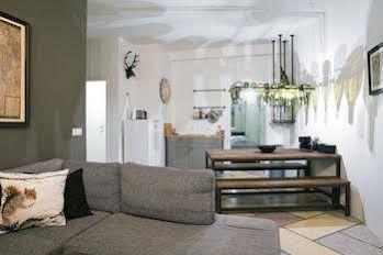 Thomsen Apartments