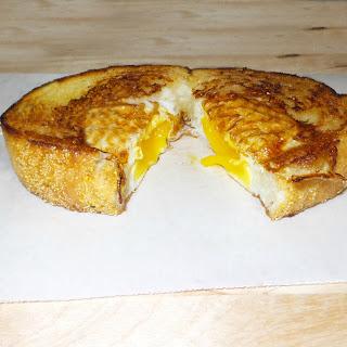 Texas Toast Eggs In A Nest