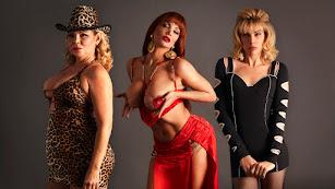 Isabel Torres, Daniela Santiago y Jedet, caracterizadas como La Veneno.