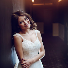 Wedding photographer Sergey Smirnov (ant1sniper). Photo of 12.10.2016