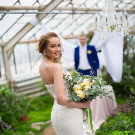 Wedding photographer Veronika Kurdova (NIKAKURD). Photo of 01.03.2017