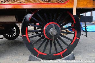 Photo: 【平成20年(2008) 宵々宮】  本年は調子の良くなかった山車の後輪も修理。