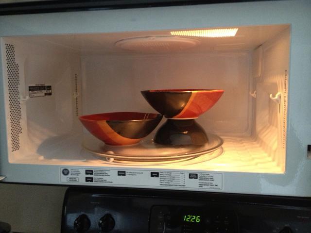 Những loại thực phẩm không nên hâm nóng bằng lò vi sóng nếu không muốn chúng phát nổ hay tích tụ chất độc - Ảnh 6.