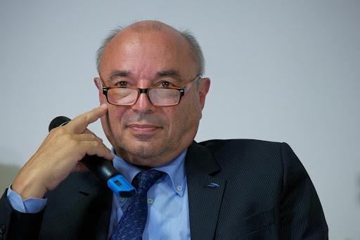 Club Les Echos Débats avec Jean-Paul BAILLY Président-Directeur Général du groupe La Poste