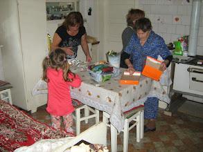 Photo: dédi és nénje közös születésnapjára készülve
