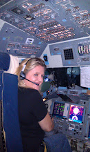 Photo: Piloting the NASA space shuttle flight simulator during STS-135 NASA Tweetup.
