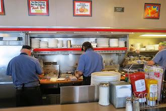 Photo: Waffle Housen aamupala on mielettömän hyvä