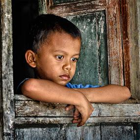 Aan sendirian by Doeh Namaku - Babies & Children Child Portraits (  )
