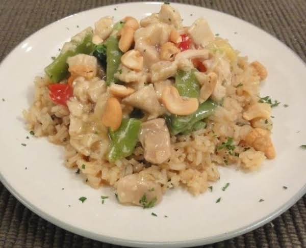 Chicken With Vegetables And Cashews
