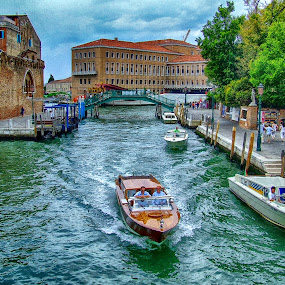 The boat by Ana Paula Filipe - City,  Street & Park  Street Scenes ( water, boat, italy, veneza, river )