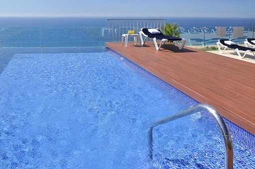Swimming pools and sun terrace