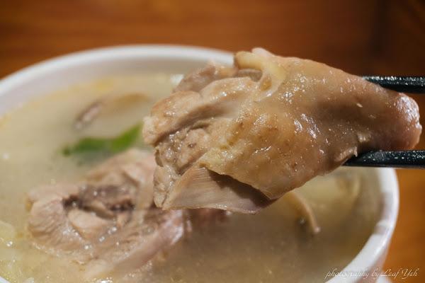 雙月食品社│雞湯去寒,滷肉飯、油飯順口,冬夜天冷就要這一碗! 米其林必比登推介雞湯、善導寺美食