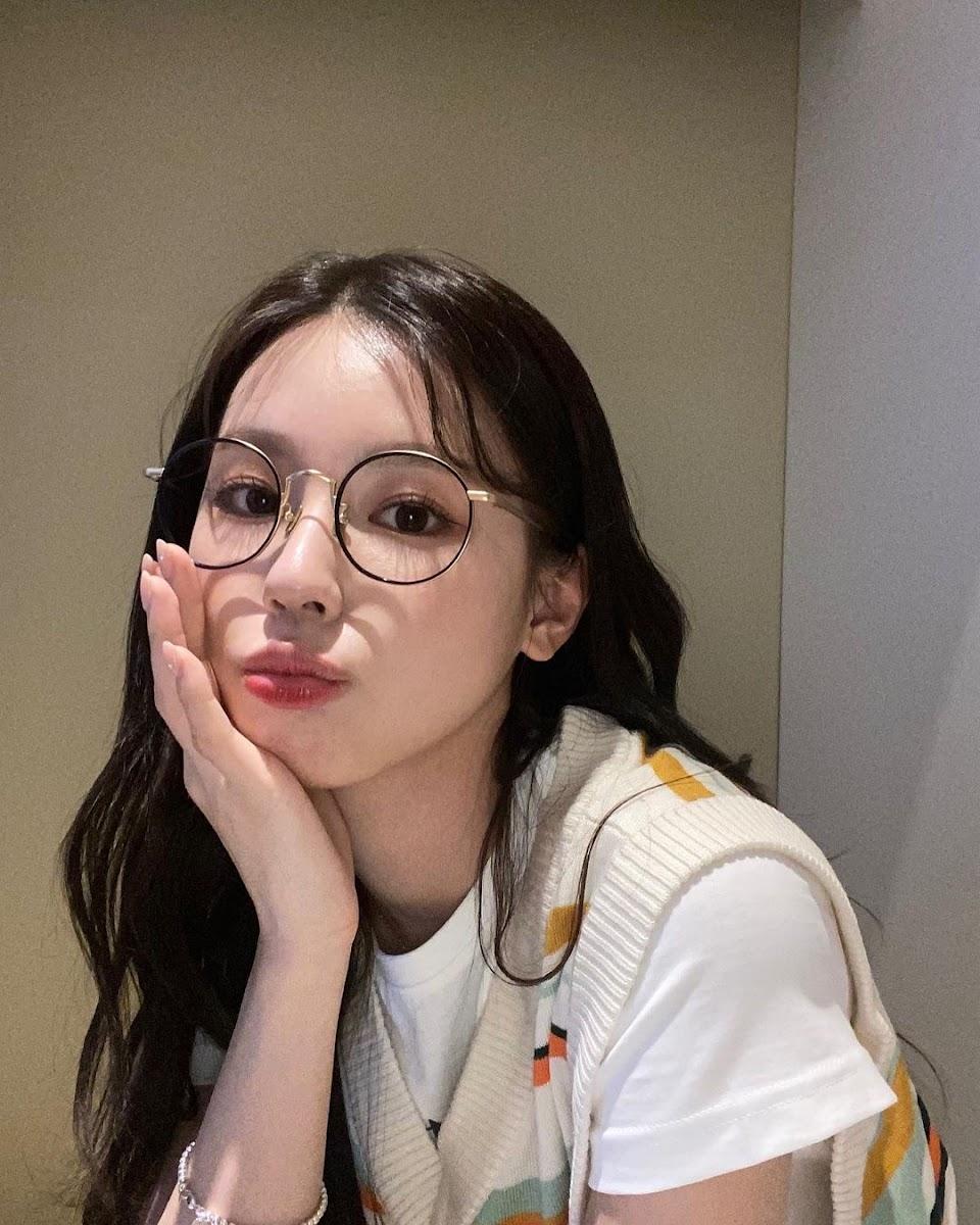 miyeon glasses