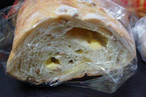 板橋美食推薦-從小吃到大的麵包【驊珍食品】