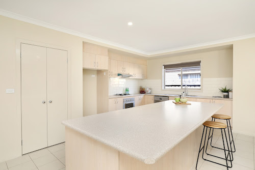 Photo of property at 7 Hennessy Street, Epping 3076