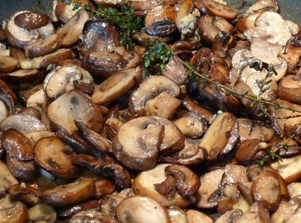 You can also add sauteed mushrooms if you love them! It's amazing!