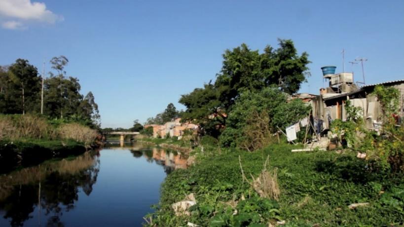 Resultado de imagem para ocupaçãoirregular de beira do rio tiete