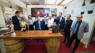 Un brindis con vinos almerienses por el nacimiento de la primera feria dedicada en exclusiva al canal de hoteles, restaurantes, cafeterías y bares.