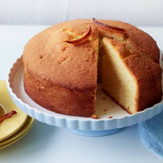 Lemon Madeira cake with candied peel.