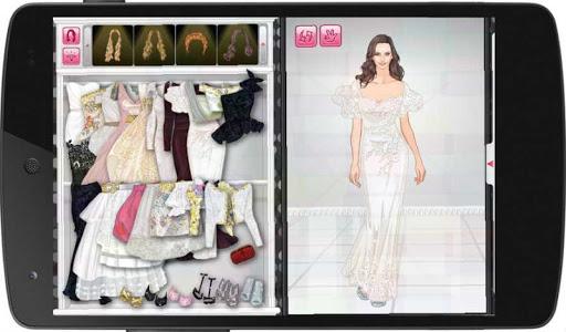Stylish Dress Up: Molly