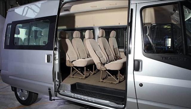 Giá thuê xe 16 chỗ được tính dựa trên dịch vụ, số km sử dụng