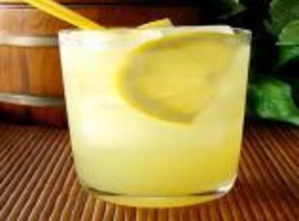 Lemoncello Lemonade