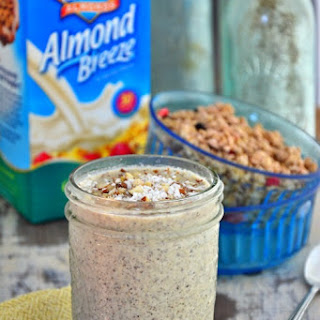 Dairy-Free Almond Cacao Smoothie.