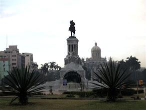 Photo: pomník Maxima Goméze