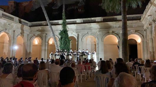 Así ha sido el primer concierto en el claustro de la Catedral