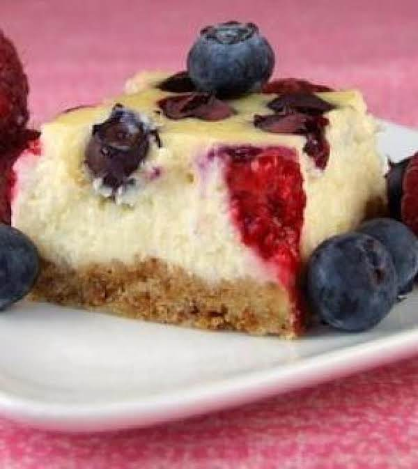 Red, White And Blueberry Cheesecake Bars (ww)
