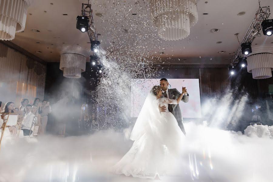 Wedding photographer Ekaterina Zamlelaya (KatyZamlelaya). Photo of 12.08.2020