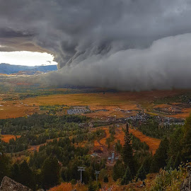 The clouds this morning by Grant Tomsic - Uncategorized All Uncategorized