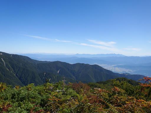 北方面の展望(奥に八ヶ岳)