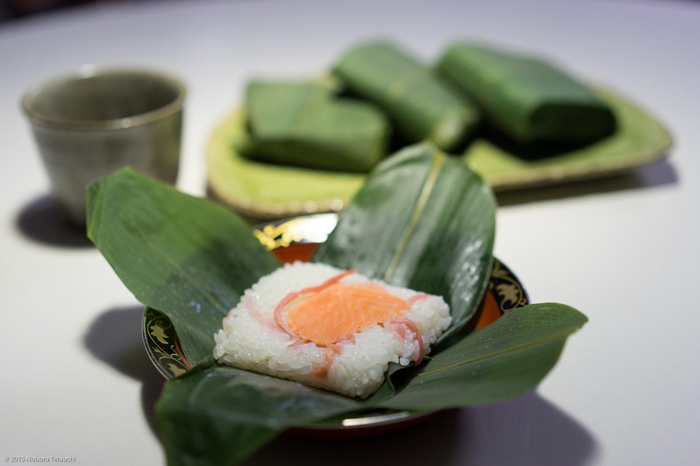 浅野さん手作りの笹寿司