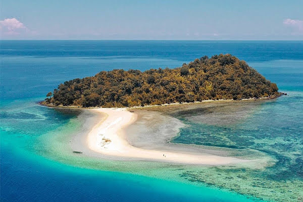 Pulau Bogisa Gorontalo