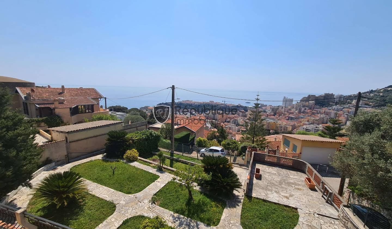 Maison avec piscine et terrasse Beausoleil