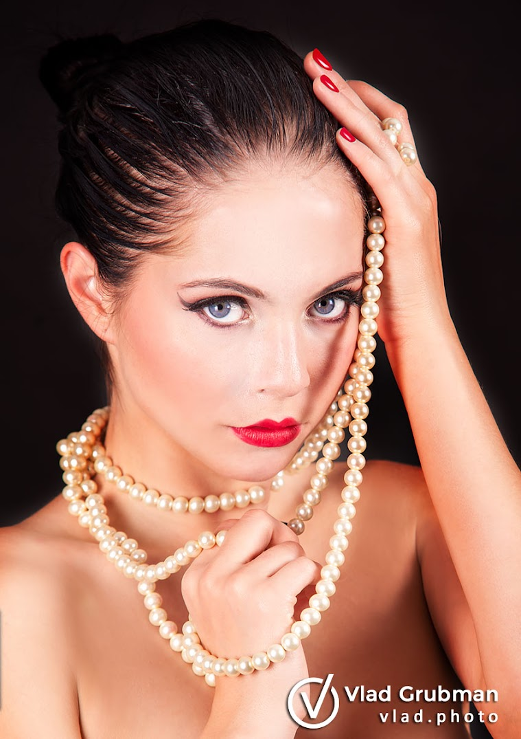 Beauty with pearls - Photography by Vlad Grubman / ZealusMedia.com