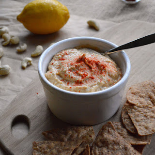 The Ultimate Cheezy Hummus