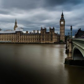 The Big Ben Theory by Hind Hamad - Buildings & Architecture Public & Historical ( uk, 2016, travel, landscape, rivers, britan, vacation, london, nature, thames, outdoors, cloudy, big ben, river thames, london 2016 )
