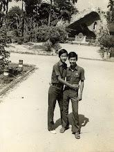 Photo: Đào hữu Gia (bên trái) & Lư thanh Sơn (nhà thờ Búng - BD )