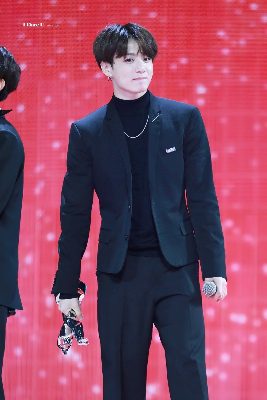 jungkook short hair2