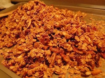Crunchy Homemade Granola Recipe