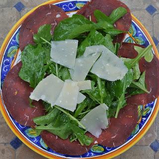 Bresaola, Rughetta e Parmigiano (Bresaola with Arugula and Parmesan Cheese).