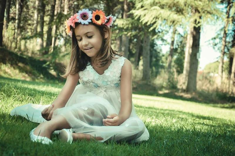 Little woman's flower di Licia Croce