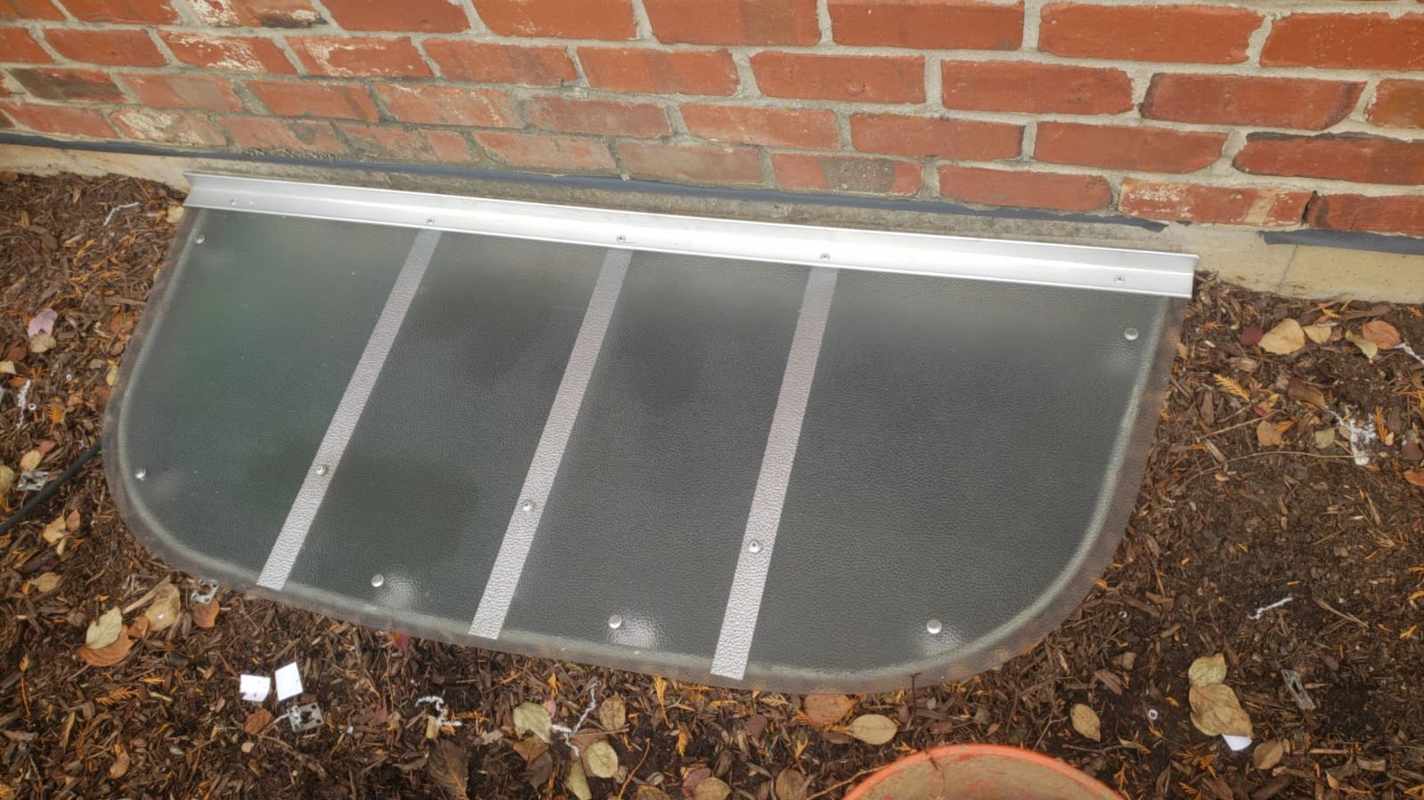 Winnetka, IL-HandyManny Custom Window Well Covers