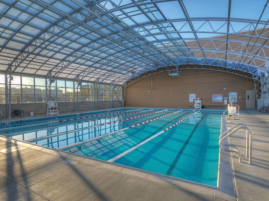 Hệ khung kèo linh hoạt cho bể bơi