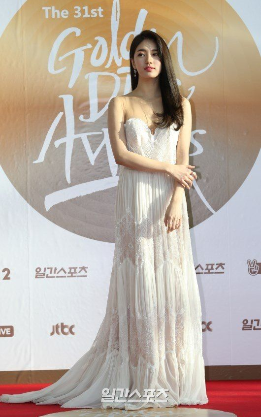 suzy gown 11