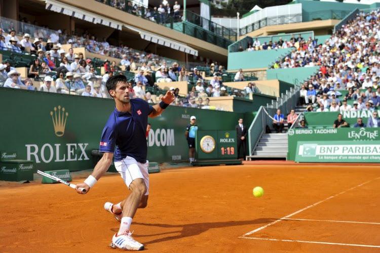 🎥 Taaie Rus stuurt nummer één van de wereld Novak Djokovic al vroeg huiswaarts